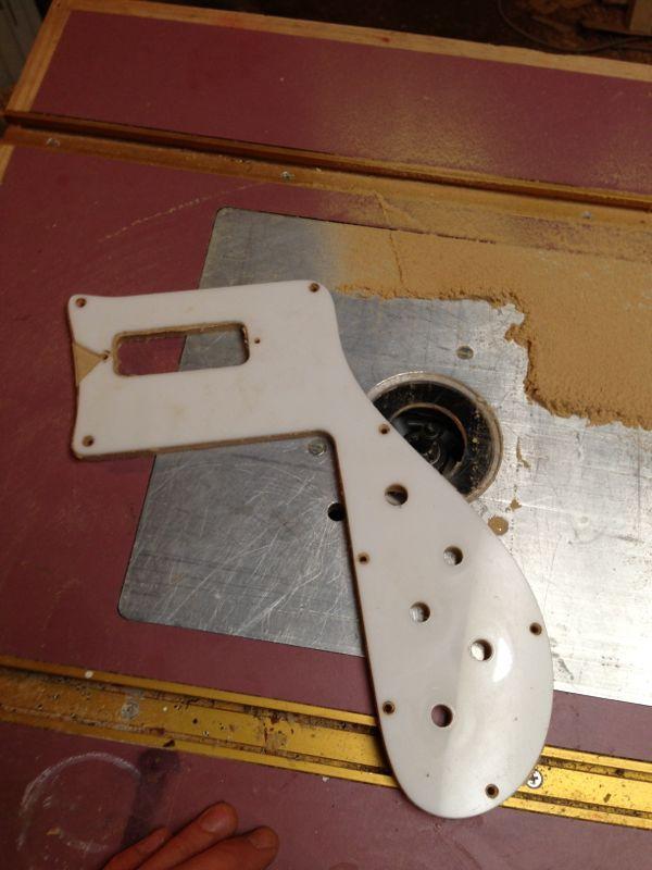 Rickenbacker-4001-Pickguard-reproduction-11.jpg